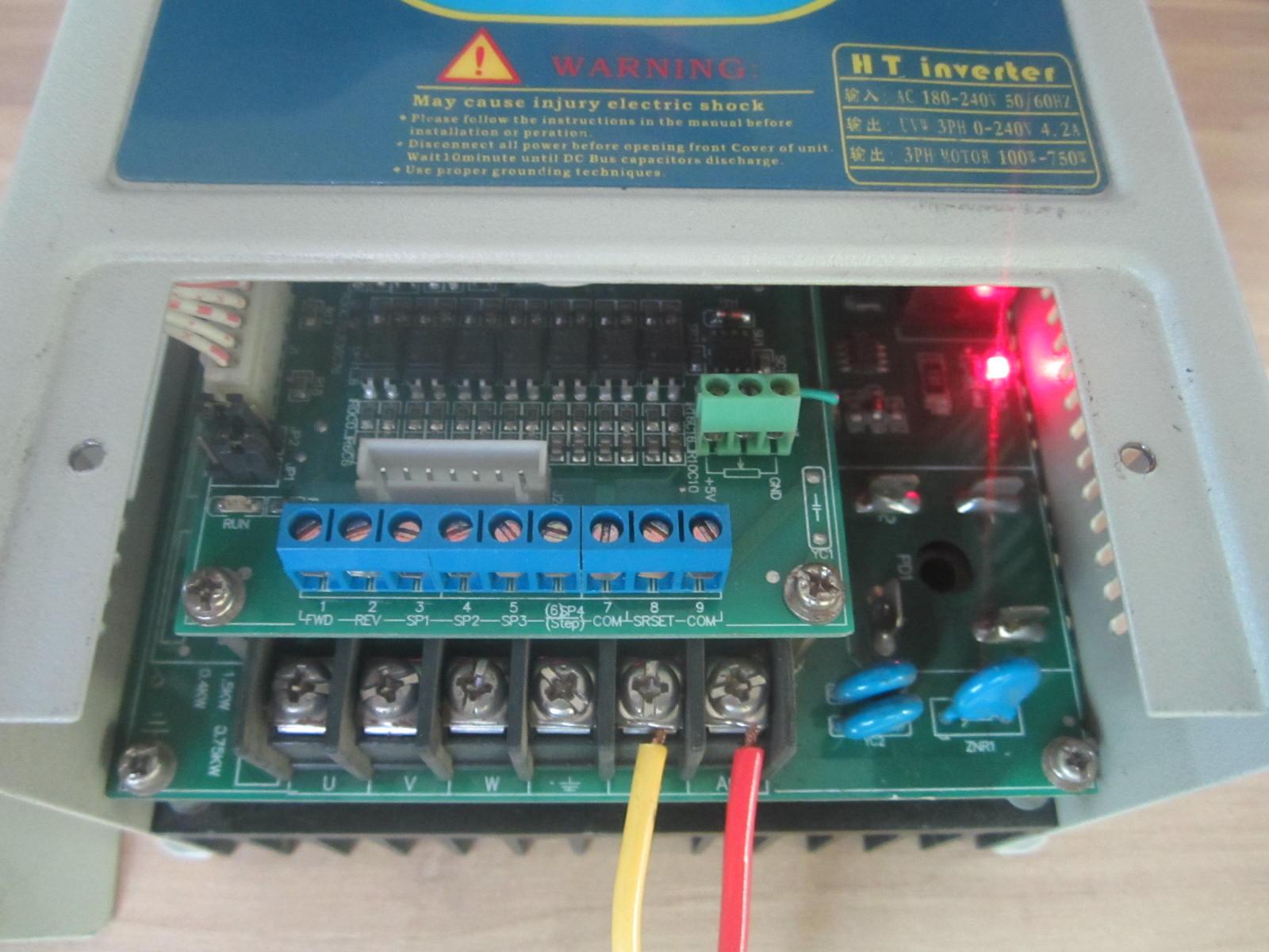 Инвертор Экономически высокой гидротрансформатора 220V 0.75kw двигатели переменного тока трехфазный 380В 750w