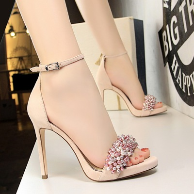 3395-1 in Europe and the sexy party shoes with ultra fine with waterproof suede pearl diamond one word with sandals