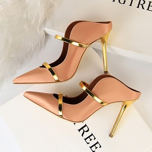 121-1 in Europe and the sexy baotou drag high heel with sexy thin pointed mouth hollow out light a word and women slippe