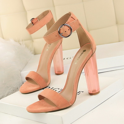 29-2 in Europe and the wind is transparent and thick with ultra sexy nightclub shoe with crystal shoes suede one word wi