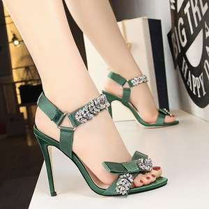 833-3 han edition sexy summer party high-heeled shoes high heel with shining diamond bow one word with sandals