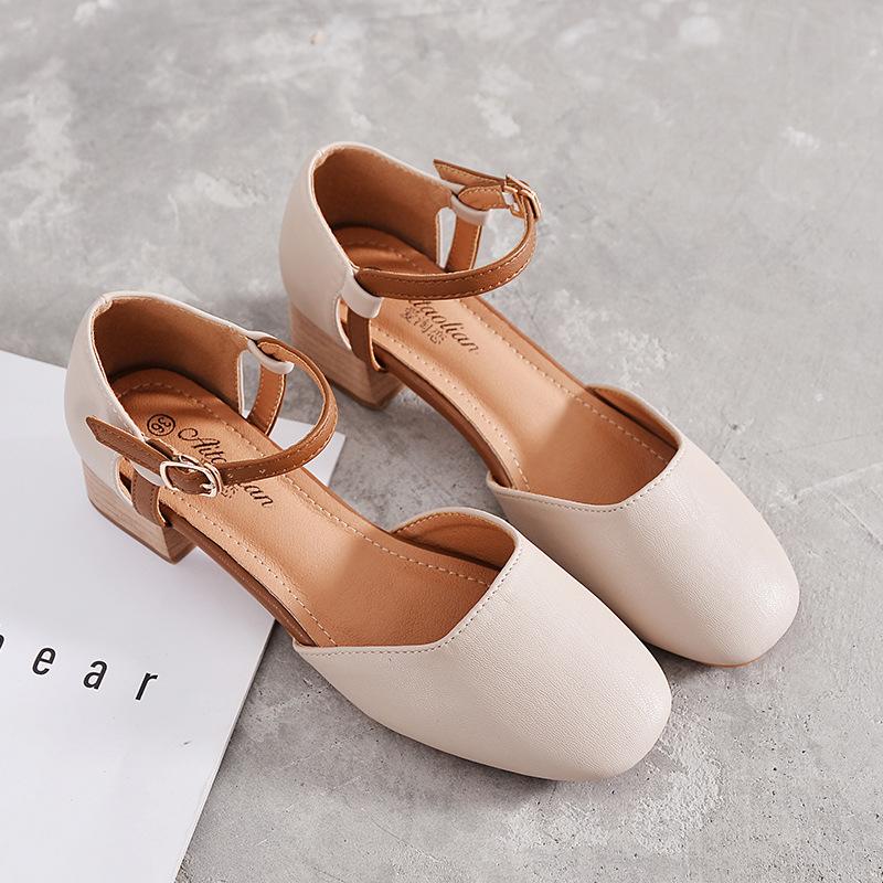 2018夏新款韩版玛丽珍凉鞋女中空一字扣带百搭奶奶鞋粗跟方头