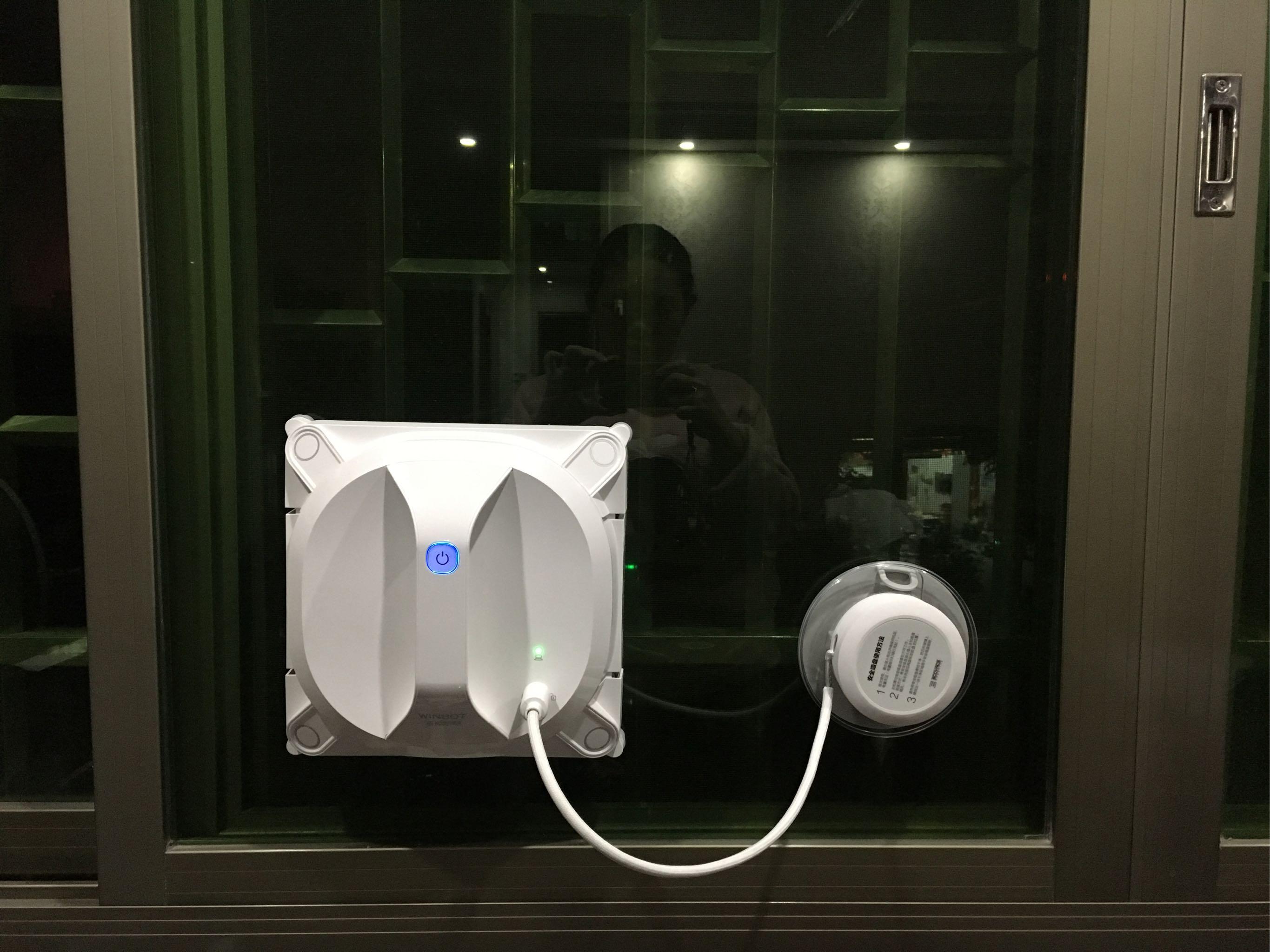 科沃斯自动擦窗机器人怎么样?智能擦窗机器人的使用方法-苏宛霞博客_擦玻璃机器人哪个牌子好_哪种好_擦玻璃机器人多少钱