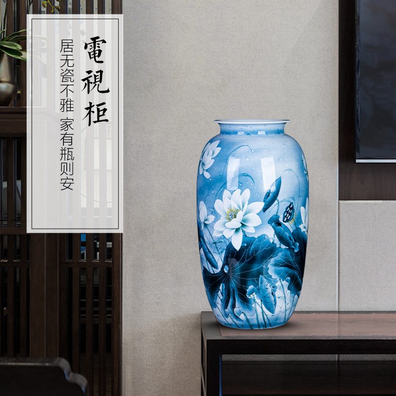 Blue and white porcelain of jingdezhen ceramics hand - made lotus vase furnishing articles sitting room of new Chinese style household adornment high porcelain