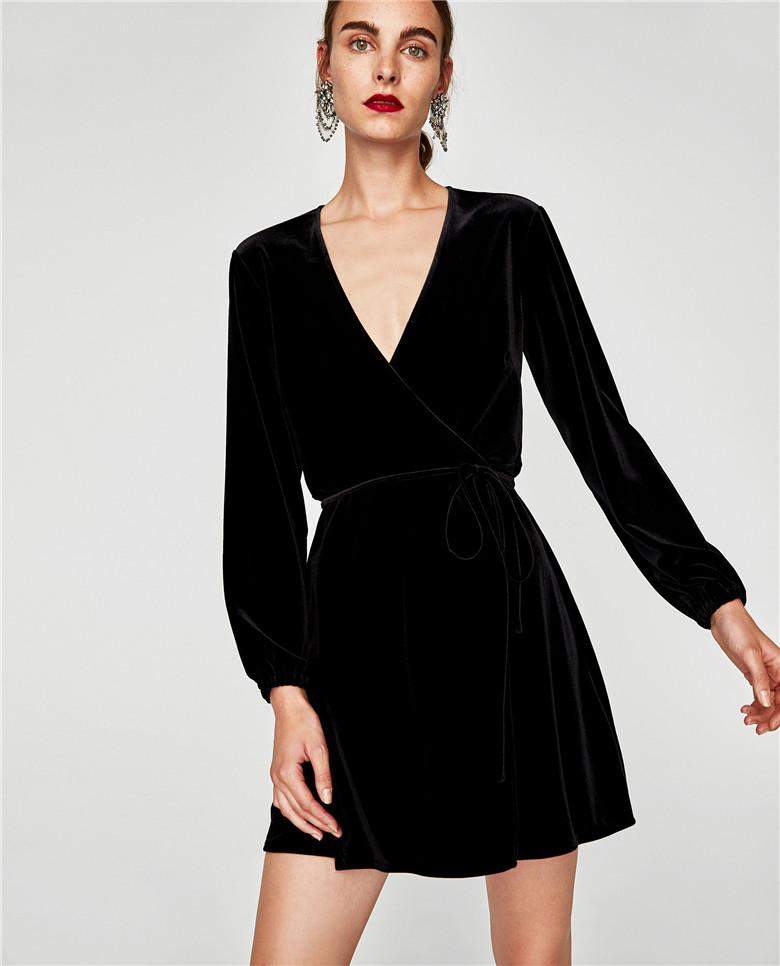 Черное Платье В Заре
