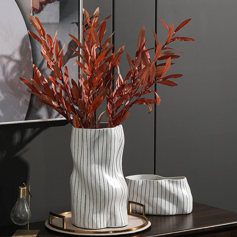 Rain tong household minimalist villa clubhouse designer line flower implement cylinder ceramic vases, furnishing articles