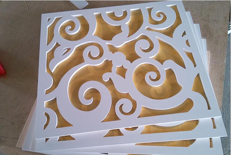 定制现代pvc镂空花格吊顶雕花板材装饰过道走廊顶上祥云造型木雕图片