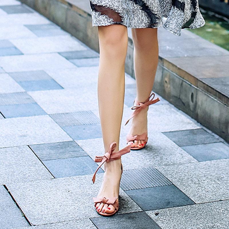 蛋蛋肖真皮韩版蝴蝶结粗跟高跟鞋露趾性感凉鞋女脚环一字绑带女鞋