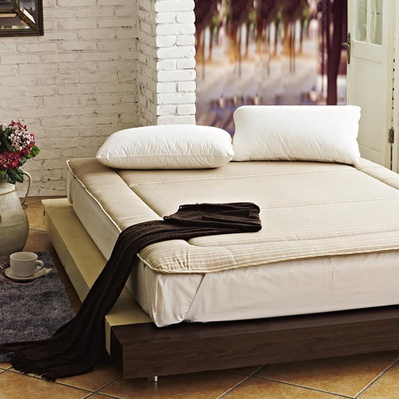 皇冠家纺竹炭纤维床垫14082001