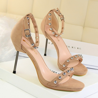 9923-1 han edition fashion show thin thin and sexy high-heeled waterproof suede metal bead bead one word with sandals