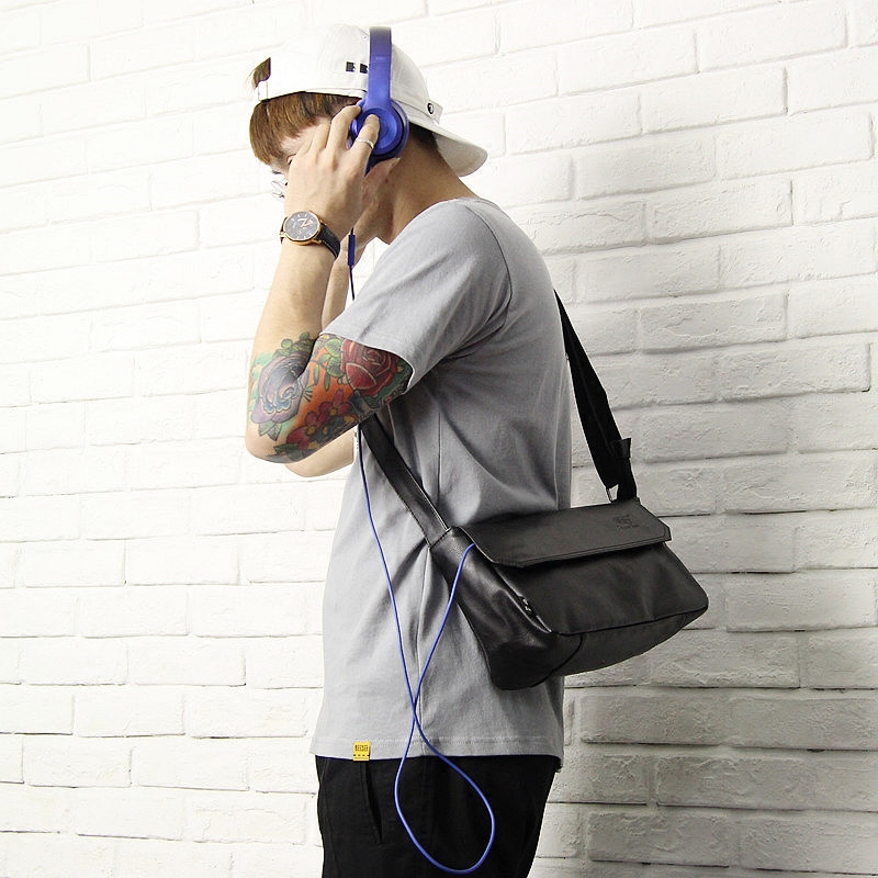 Retro PU leather shoulder bag trend cross-body bag travel portable male small bag chest bag men bag casual messenger bag