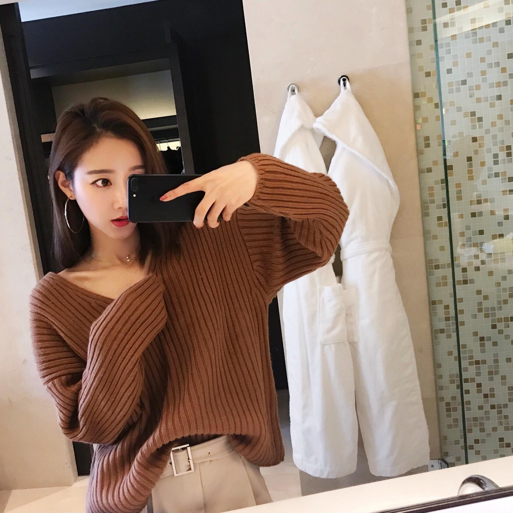 小番茄定制 秋季韩版V领竖条慵懒套头毛衣外套女宽松纯色针织衫