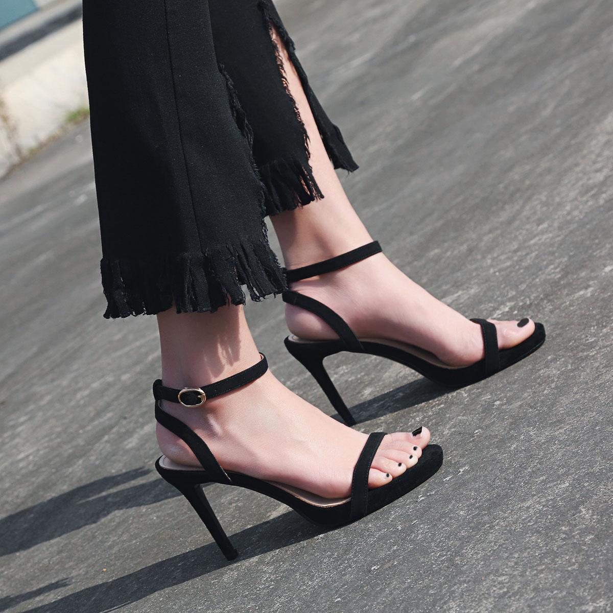 2018夏韩版简约新款高跟凉鞋性感细跟一字带裸色百搭中跟女鞋绑带
