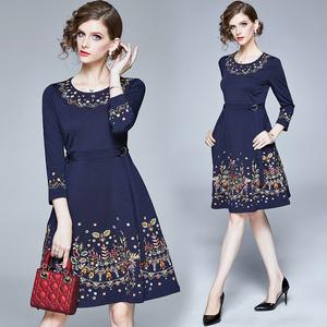 实拍现货 秋冬季新品高端欧美气质女装显瘦A字锦棉重工刺绣裙子