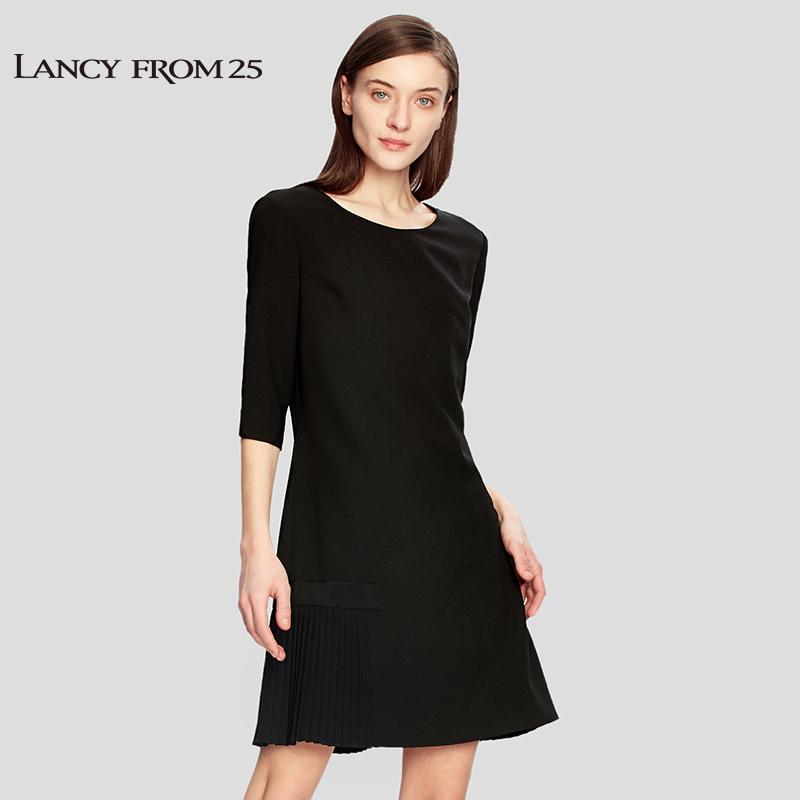 朗姿2018春装新款时尚经典修身黑色裙摆压褶短袖中长连衣裙女