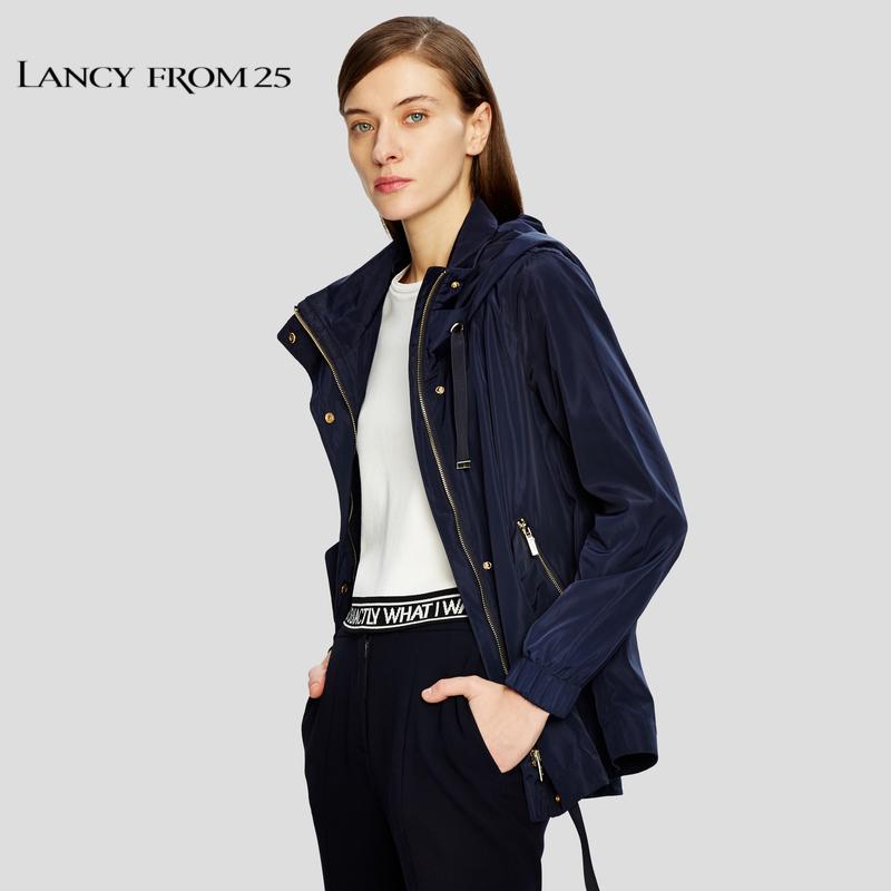 朗姿2018春装新款时尚纯色长袖抽绳连帽上衣短款风衣女外套