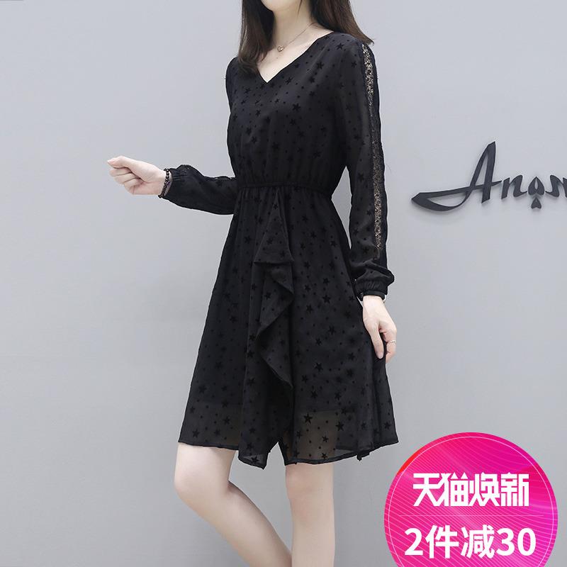 洋气大码女装2018新款韩版修身显瘦蕾丝拼接胖mm秋装长袖连衣裙女