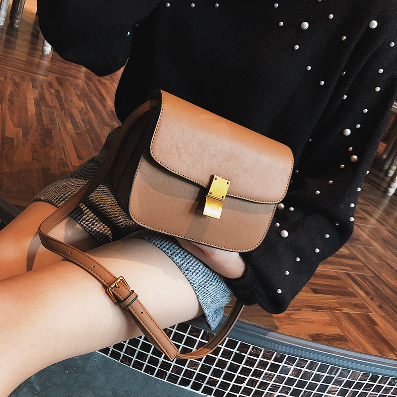 chic small bag 2018 new female bag shoulder bag retro lock small square bag Korean wild messenger bag female tide