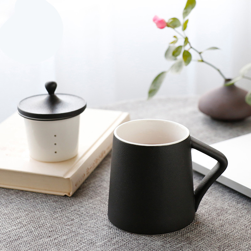 The Poly real boutique scene. The Big cups of jingdezhen ceramic tea set office cup tea cup tea separation with filtration