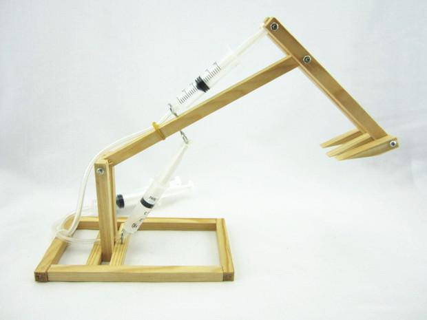 创意益智diy 科技小制作小发明 拼装挖掘机 自制气压式挖掘机