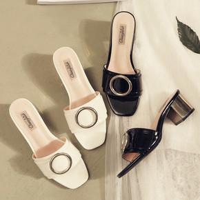 韩版2017新款漆皮方头粗跟凉拖鞋