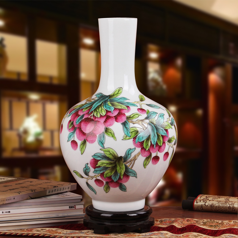 Famous works of hu, jingdezhen ceramics vase upscale gift porcelain hand - made pastel litchi tree
