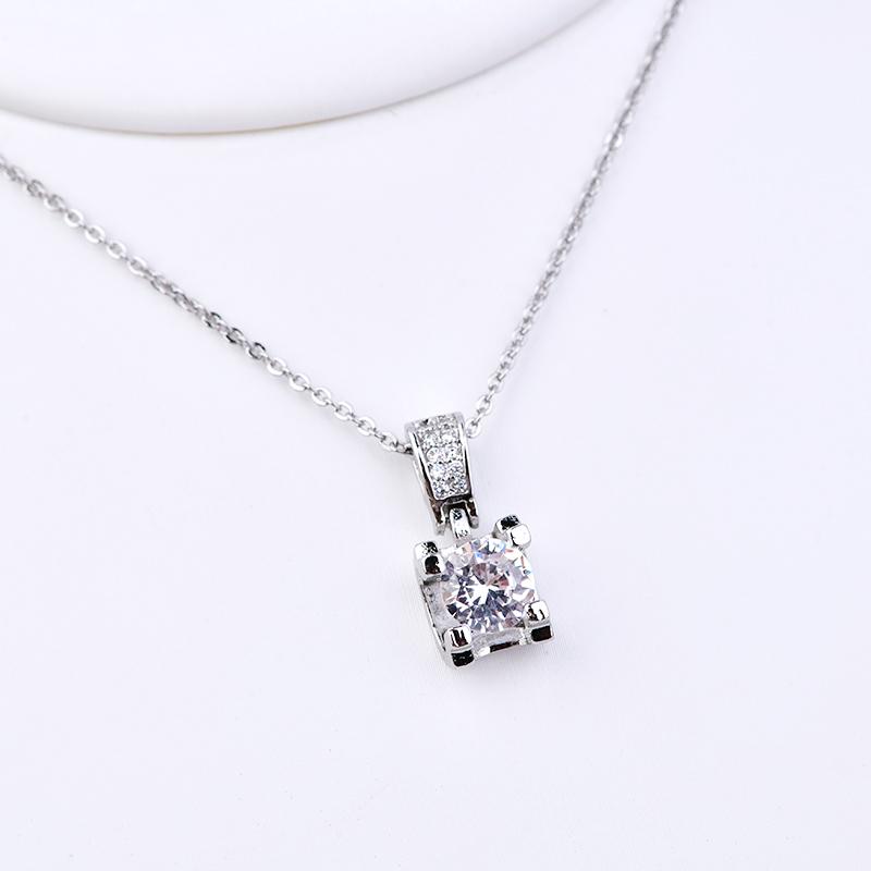 高碳钻项链女一克拉1ct锁骨链S925银可调节情侣求婚饰品