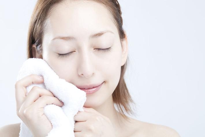毛巾洗脸风险年夜!不消毛巾用那个更卫死