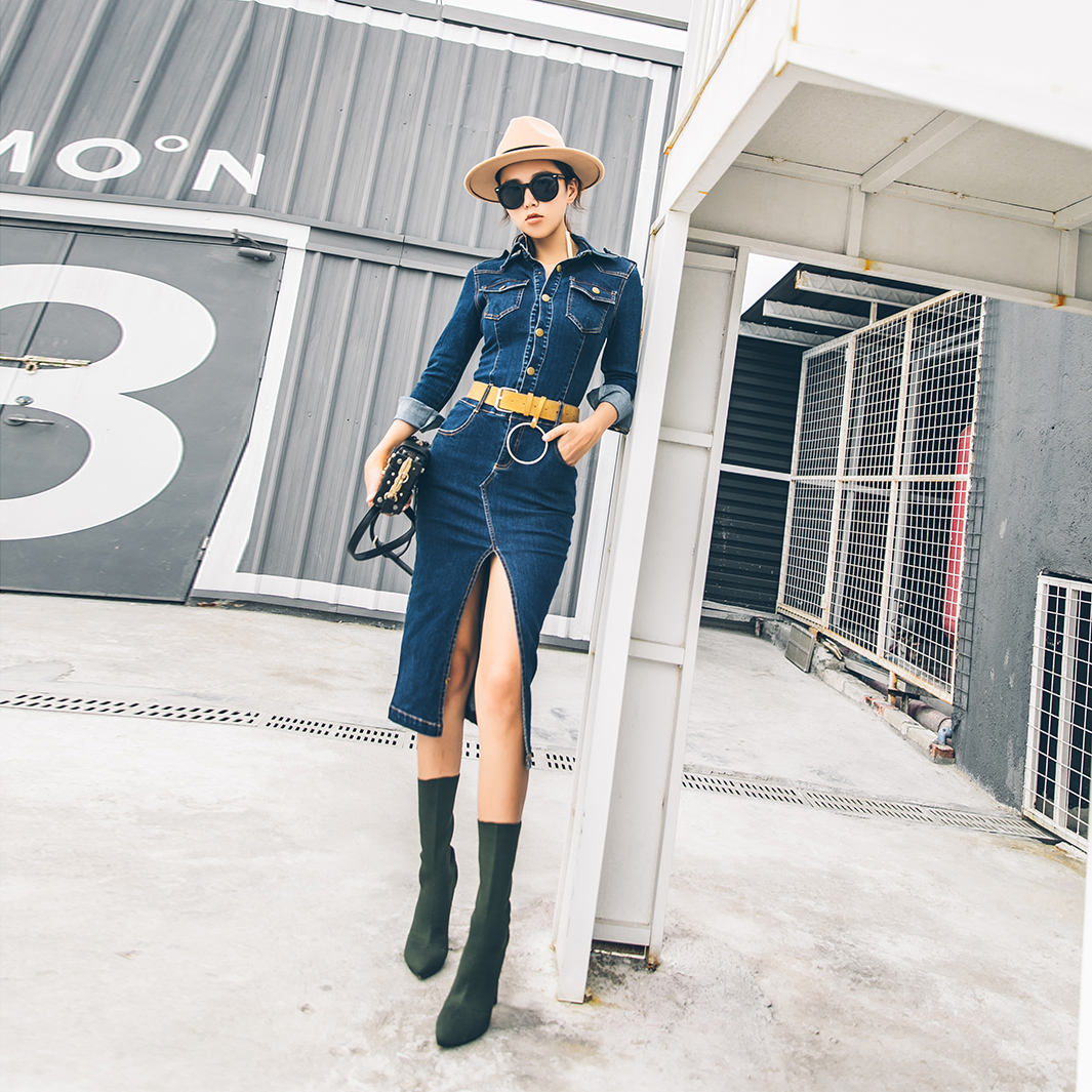 这些有设计感的牛仔裙很适合收入衣橱