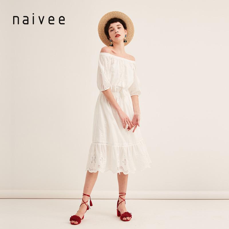 纳薇2018夏季新款一字领收腰白色镂空刺绣度假沙滩裙中长款连衣裙