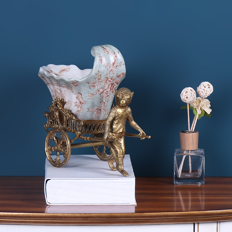 European pure copper monkey cart compote ceramics handicraft decoration wine creative home sitting room adornment is placed