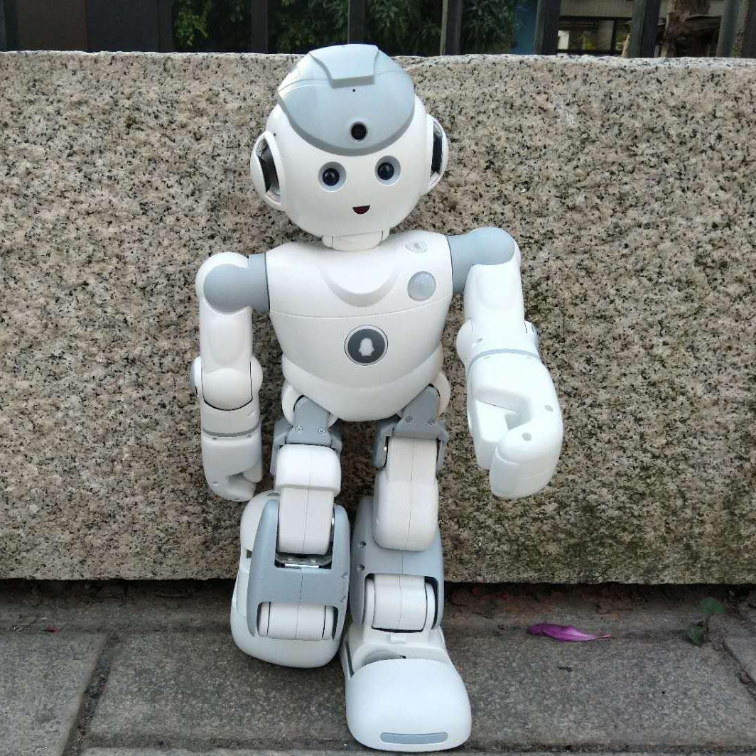 优必选Qrobot Alpha人工智能机器人早教语音对话陪伴儿童学习跳舞