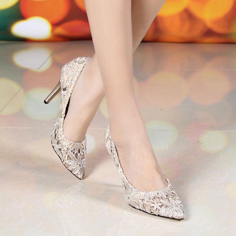 2018韩版镂空蕾丝单鞋小码31 32 33大码40 41 42高跟尖头细跟女鞋