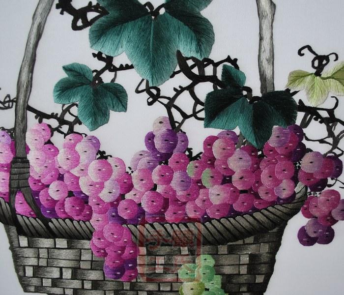 刺绣葡萄,静物水果篮,苏绣葡萄 丰盈硕果 特价