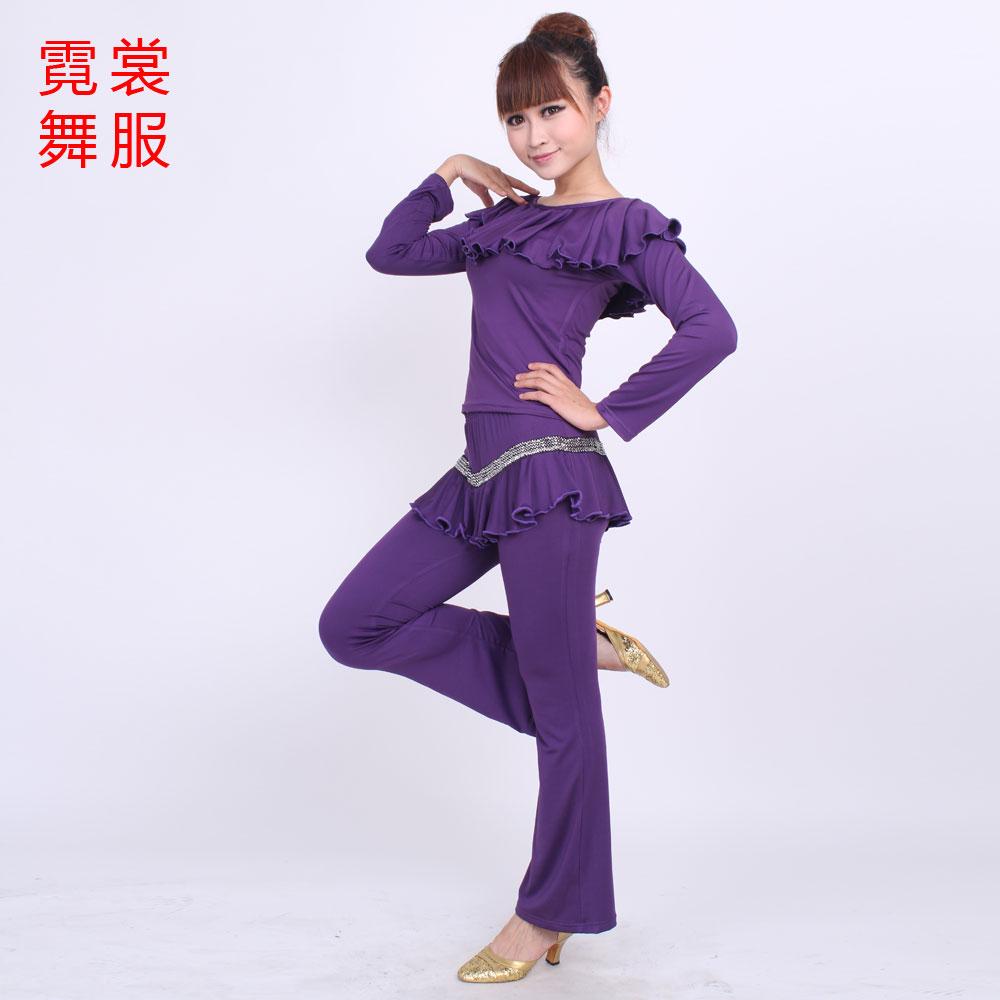Цвет: Темно-фиолетовый цвет