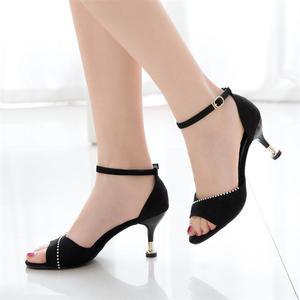 韩版包跟露趾女士凉鞋
