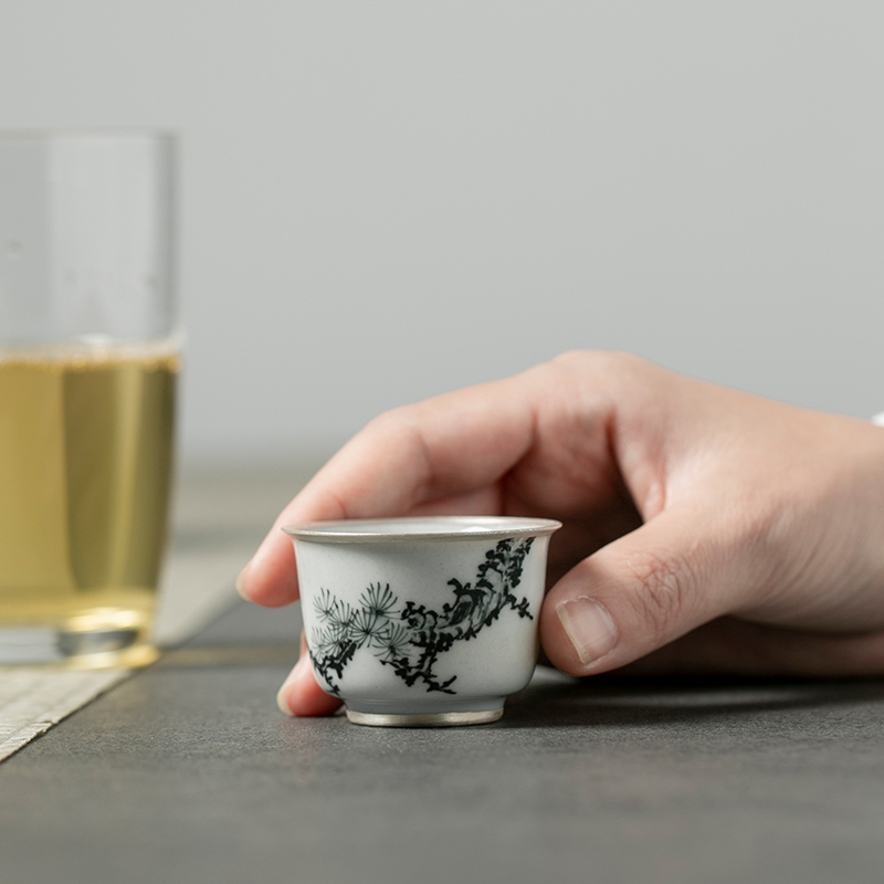 "The Self - ""appropriate content of jingdezhen ceramic sample tea cup cup hand - made wind restoring ancient ways is small small single CPU kunfu tea cups"