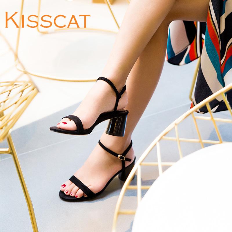 接吻猫2018春夏新款经典羊绒一字扣带粗中跟凉鞋女DA98193-53