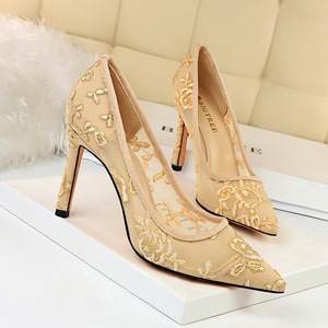 1689-1 the European and American wind fashion party marriage shoes high heel shoes with shallow pointed mouth mesh flowe