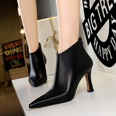6889-1 in Europe and the new winter boots fashion contracted wind thick with high with sexy show thin pointed nightclub
