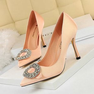 226-1 the European and American wind party shoes high heels satin shallow mouth pointed diamond buckle sexy show tall do