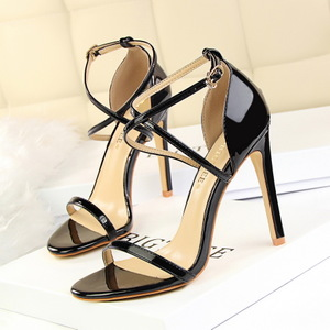126-8 European and American fashion sexy nightclub show thin high heels with ultra fine summer sandals with hollow out c