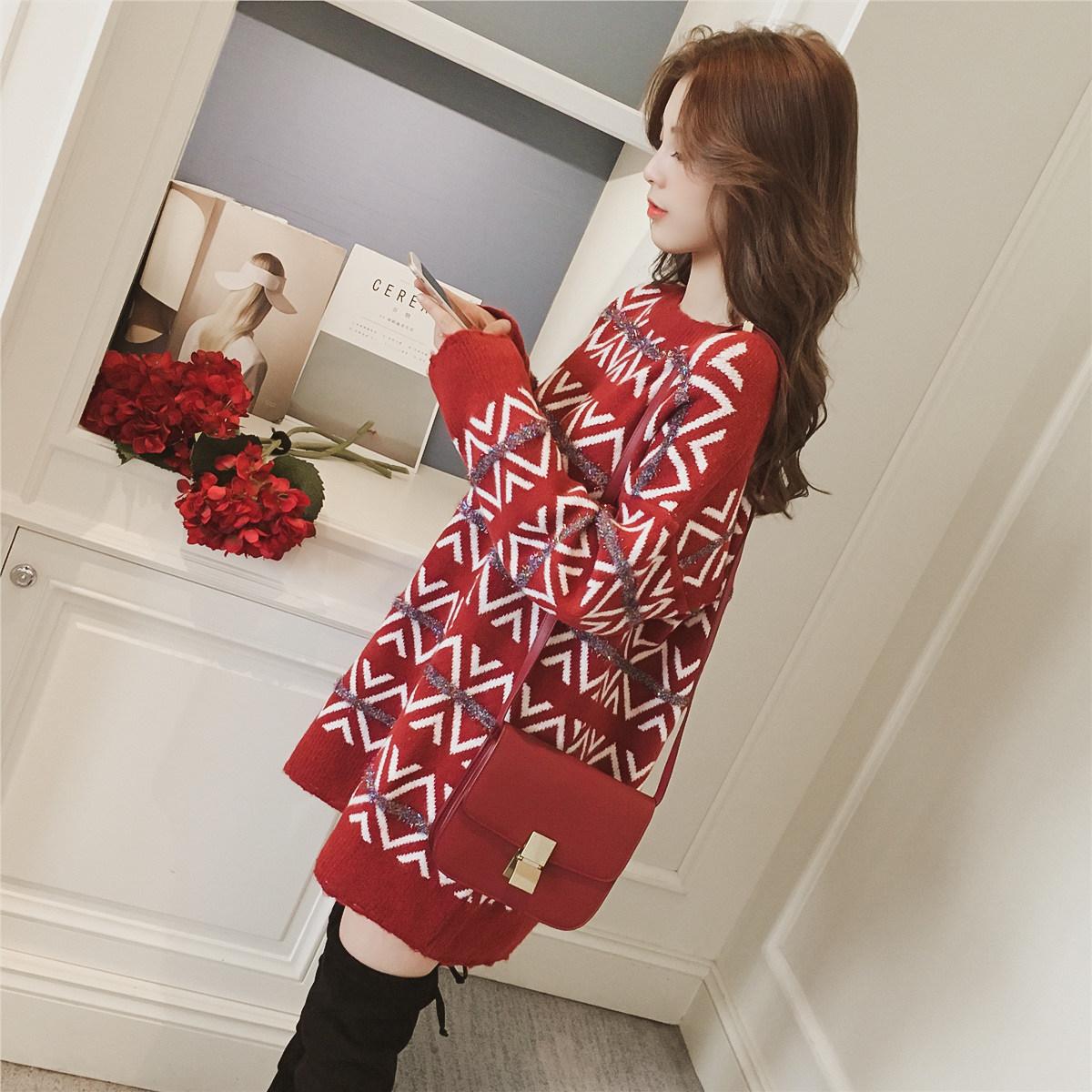 2017冬季新款韩版中长款亮丝红色套头毛衣裙女宽松加厚长袖针织衫