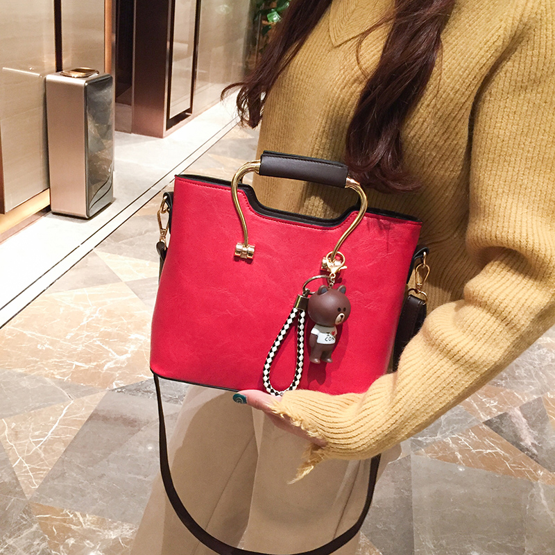 Autumn and Winter small bag ladies 2017 new tide Korean version of the shoulder messenger bag handbags fashion wild atmosphere handbag