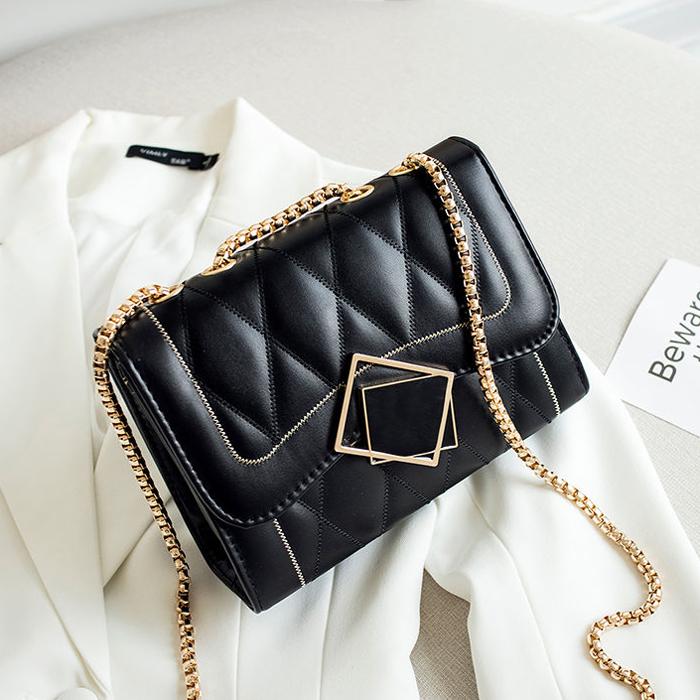 潮牌小包包女2021新款女包网红单肩包女士斜挎包时尚小方包链条包