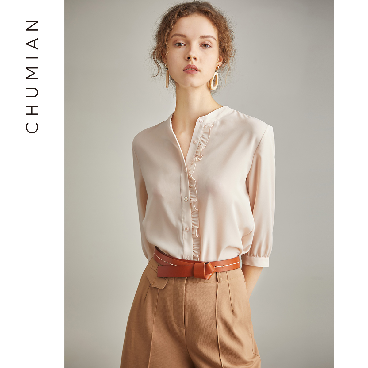 初棉2018秋装新款减龄木耳边七分袖雪纺衬衫女杏色立领衬衣薄款