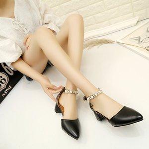 37夏季新款凉鞋女一字式扣带中跟粗跟纯色尖头舒适百搭