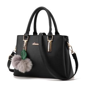 女包女士包包2017韩版春季新款简约时尚手提包潮流单肩斜跨杀手包