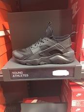 Детская спортивная обувь Nike AIR HUARACH