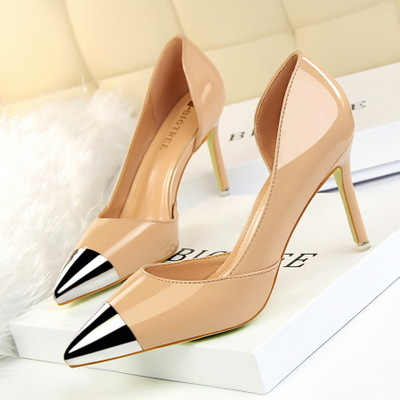 2709-1 the European and American fashion contracted with patent leather high heel lighter metal point side hollow out OL